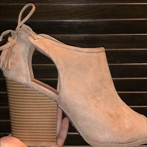 cream wedges